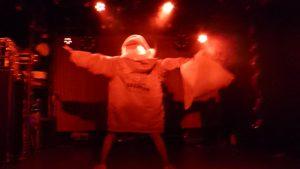ライブは満喜サンタで登場!